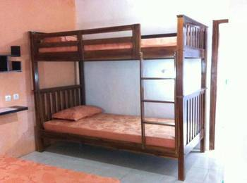 Sukun 9 Homestay Jakarta - Bunk Bed Regular Plan