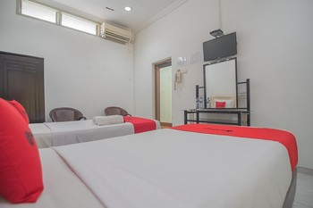 RedDoorz @ Jalan R.E. Martadinata Sukabumi Sukabumi - RedDoorz Family Room Last Minute