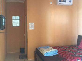Wisma Mila Tepi Pantai Karang Hawu - Superior Room  Special Rate
