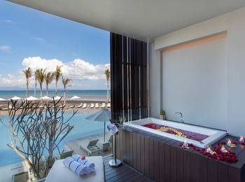 Wyndham Tamansari Jivva Resort Bali - Jacuzzi Suite Garden View atau Ocean View Room Only Regular Plan