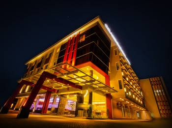 Grand Parama Hotel