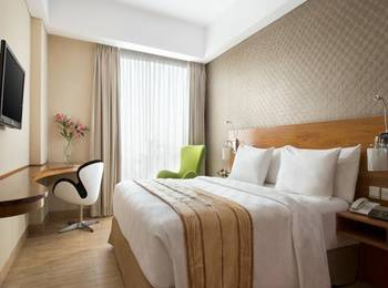 Hariston Hotel Jakarta - Deluxe Room With Breakfast Regular Plan