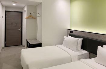 Amaris Hotel Tasikmalaya Tasikmalaya - Smart Room Twin Offer Last Minute Deal