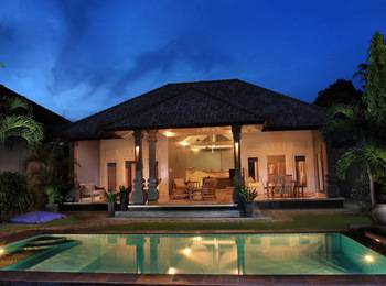 Premium Villas Seminyak - 3 Bedroom Villa with Breakfast Regular Plan