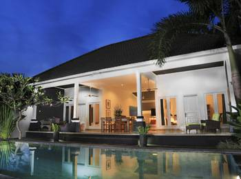 Premium Villas Seminyak - 2 Bedroom Villa with Breakfast Regular Plan