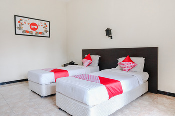 Capital O 892 Grand Pujon View Hotel And Resort Malang - Standard Twin Room Regular Plan