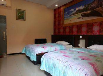 Hotel Kencana Purwodadi Grobogan - Standard Twin Room Only Regular Plan
