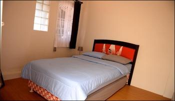 Huning House Purwokerto - 5 Bedroom Banyumas - Huning House 5 Bedrooms Regular Plan