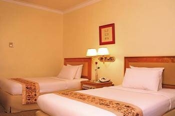 Weta International Hotel Surabaya - Superior Twin Room Only  Regular Plan