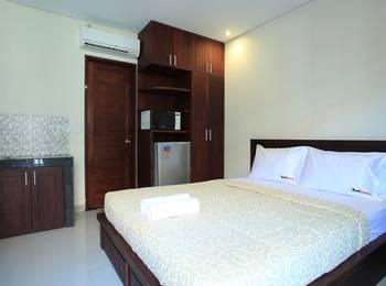 RedDoorz @Pura Demak Marlboro Bali - RedDoorz Room Special Promo Gajian