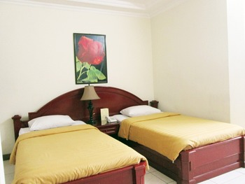 Narapati Syariah Hotel & Convention Bandung - Standard Twin Room Only No Amenities Regular Plan