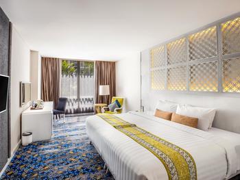 Jambuluwuk Malioboro Hotel Yogyakarta Yogyakarta - Deluxe Double Room Only Stay Longer Promo