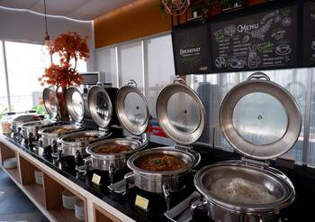 MaxOneHotels at Platinum Hayam Wuruk - Jakarta Jakarta - Happiness Twin Bed Room with Breakfast Regular Plan