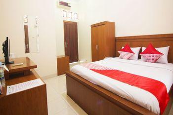 OYO 1566 Griya Inayah Syariah Bandar Lampung - Deluxe Double Room Regular Plan