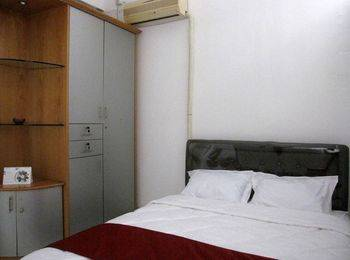 Providence Homestay Surabaya - Superior Room ( Shared Bathroom ) Regular Plan