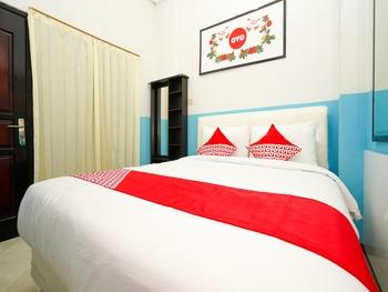 OYO 662 Miracle Homestay Syariah Surabaya - Standard Double Room Regular Plan
