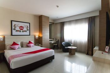 Capital O 1101 Winstar Hotel Pekanbaru - Suite Double Regular Plan