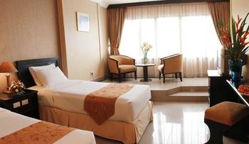 Hotel Danau Toba Medan - Deluxe Twin Room Only Regular Plan