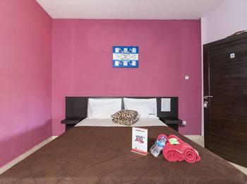 RedDoorz @Bakung Sari Kuta 2 Bali - RedDoorz Room Special Promo Gajian