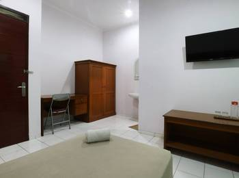 Homestay Retanata Bandung - Deluxe Room Only Basic Deal 40%