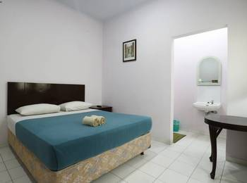 Homestay Retanata Bandung - Deluxe Room Minimum Stay