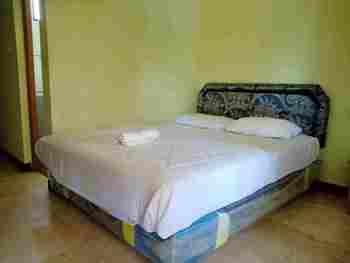 OYO 3302 Amazon Waterpark Syariah Sukabumi - Deluxe Double Room Regular Plan