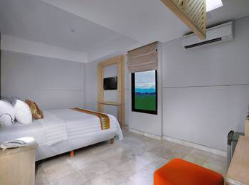 D'MAX Hotel & Convention Lombok - Deluxe Room Free Airport Shuttle Regular Plan