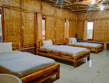 Puncak Darajat Resort Garut - Pondok Bambu Triple Regular Plan