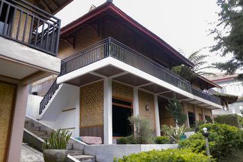 Puncak Darajat Resort Garut - Deluxe Puspa Regular Plan