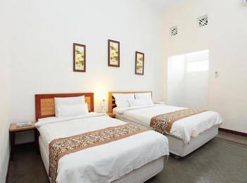 De Tropis Guest House Bandung - Family Room Regular Plan