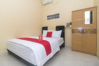 RedDoorz Syariah near Stasiun Madiun Madiun - RedDoorz Room Regular Plan
