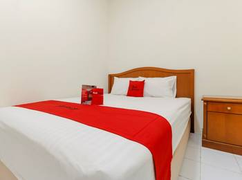 RedDoorz near Ciputra World Kuningan 2 - RedDoorz Room last minute