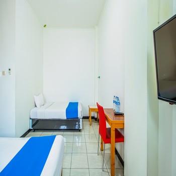 Ian Jk Hotel Tangerang - Family Room  Regular Plan