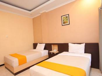 Hotel New Merdeka Pati - Junior Twin Room Regular Plan