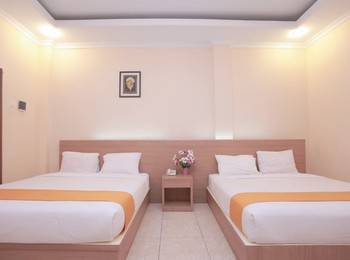 Hotel New Merdeka Pati - Deluxe Double Bed Regular Plan