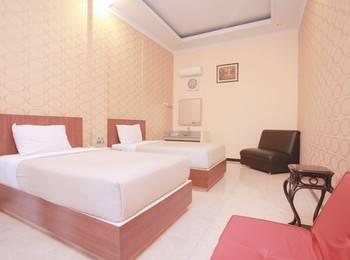 Hotel New Merdeka Pati - Royal Family Room Regular Plan