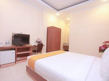 Hotel New Merdeka Pati - Junior Room Regular Plan
