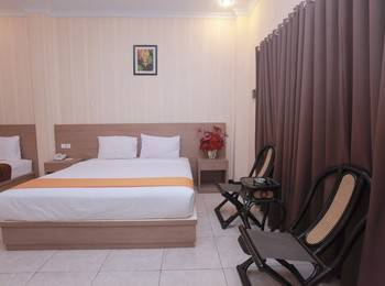 Hotel New Merdeka Pati - Executive Extrabed ( Double + Single ) Regular Plan