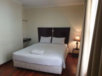 Arimbi Pejaten Suites Jakarta - Deluxe Room Only Regular Plan