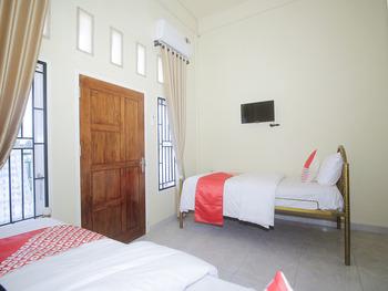 OYO 2555 Diva Residen Syariah Jambi - Standard Twin Room Regular Plan