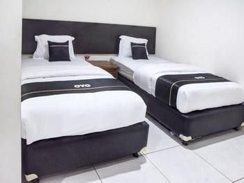 Capital O 3327 Grand Tawiri Hotel Ambon - Deluxe Twin Room Last Minute Deal