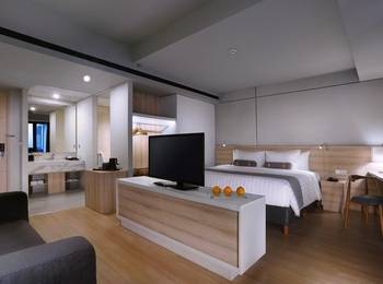Harper Cikarang by ASTON Bekasi - Deluxe Room Regular Plan