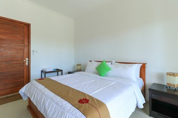 Pererenan Nengah Guest House Bali - Deluxe  Room Only with Pool View Min2 Geo
