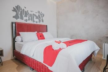 RedDoorz Plus Syariah near Universitas Lampung Bandar Lampung - RedDoorz Room Kurma Deal