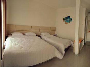 In Out Hotel Pangandaran - Deluxe Plus Regular Plan