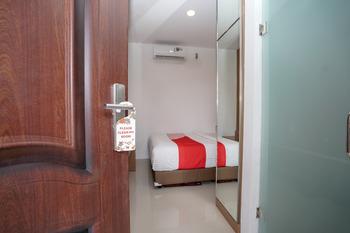 OYO 343 Lawang 15 Syariah Palembang - Standard Double Room Regular Plan