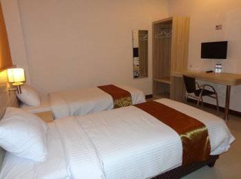 Frank's Hotel Surabaya - Deluxe Twin Room Only  Regular Plan