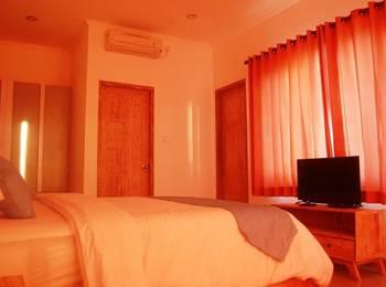 Bali Kunti Guest House Munggu Bali - Deluxe Room Last Minute Offer!