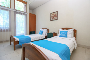 Airy Raya Cimanuk 311 Garut Garut - Standard Twin Room with Breakfast Special Promo 4