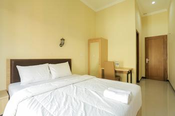 IDR Green Guest House Syariah Solo - SALE Room Regular Plan
